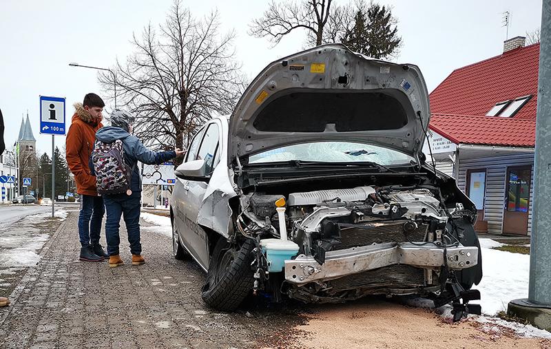 VIDEO: Karm liiklusõnnetus Rapla südalinnas